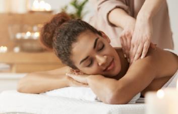 Óleo para massagem: sua rotina skin care mais completa